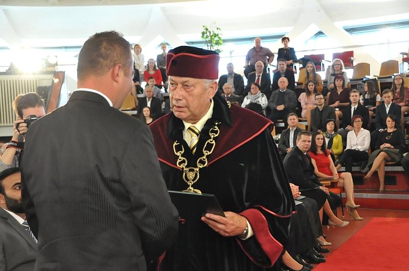 1dbf055e30dd Promócie doktorandov - 10 absolventov na FBP - Fakulta ...